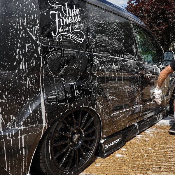 Автошампунь с SiO2 Auto Finesse Caramics Enhancing Shampoo 1л