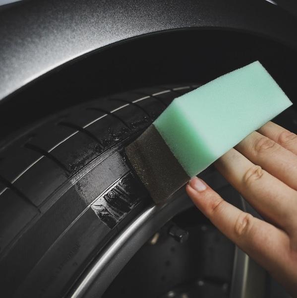 Чернитель резины Auto Finesse Gloss 250мл